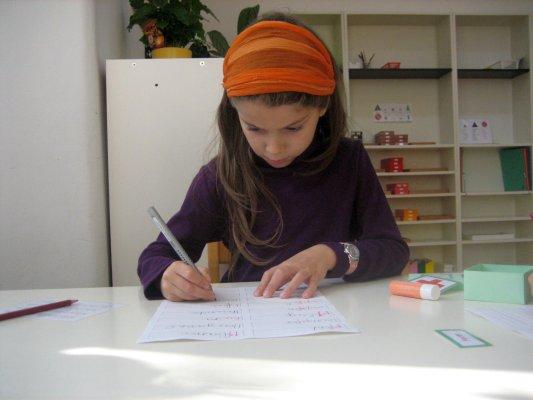 Sprache – Arbeit mit den Phonogrammen-Schachteln – Ziele: Schreibschrift üben, Erarbeitung der Phonogramme 1. und 2. Ordnung, Erwerb von Rechtschreibkompetenz