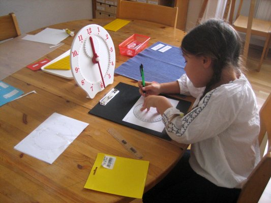Arithmetik - Arbeit mit der Lernuhr - Uhrzeit lernen