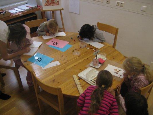 Lernen in einer Montessori-Schule