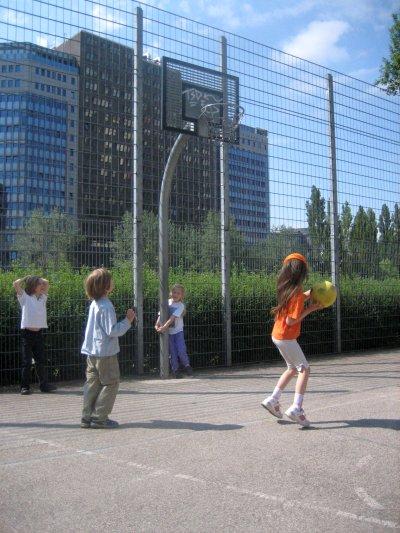 Outdoor - Sport und Spiele auf dem Sportplatz